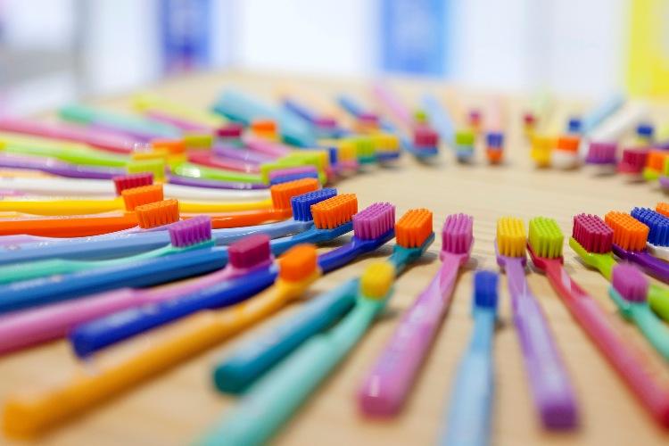 Зубная щетка Сплат: назначение, особенности, характеристики, функции